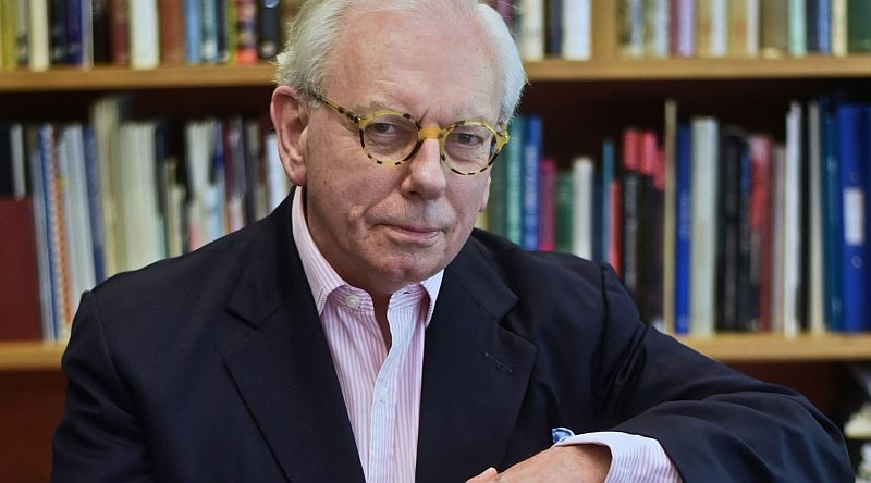 Photo of David Starkey Henry VIII at the Preston Guild Hall Review