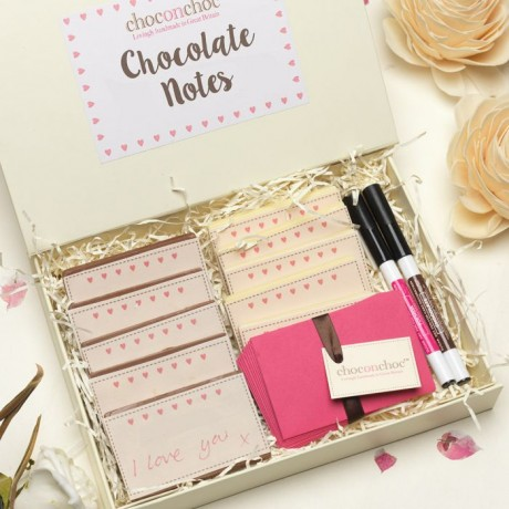 Photo of Yumbles Write Your Own Chocolate Love Notes Review