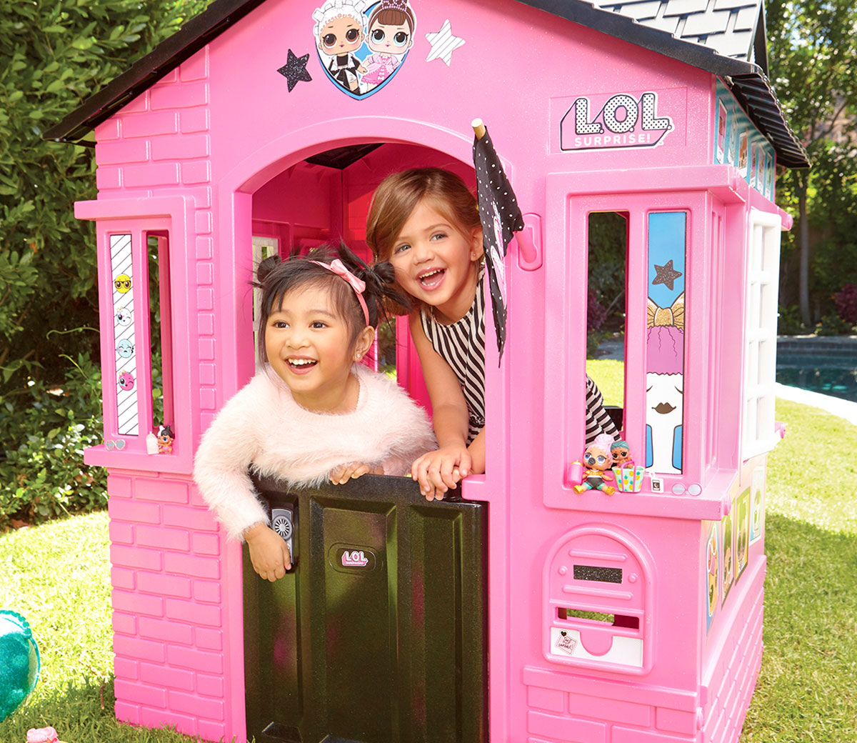 Photo of Little Tikes LOL Surprise Cottage Playhouse Review