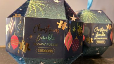 Photo of Gibsons Games Christmas Bauble Jigsaw Review
